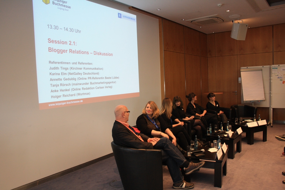 Blogger Relations Session auf bei der #bmb16 - Holger Reichard (wortmax), Tanja Rörsch (mainwunder Buchmarketingagentur), Annette Geduldig (Online PR-Referentin Bastei Lübbe), Anke Henkel (Online Redaktion Carlsen Verlag), Karina Elm (NetGalley Deutschland), Judith Tings (Kirchner Kommunikation) v.l.n.r.